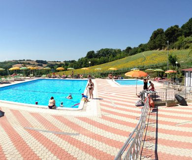 galleria-camping-panorama-pesaro-san-bartolo-piscina